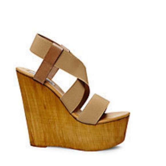 57aa81aeac0 Steve Madden Gandy Wooden Platform Wedge Sandals. M 5a87bad050687c1a16877f30